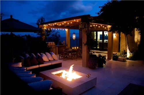 outdoor entertaining with pergola