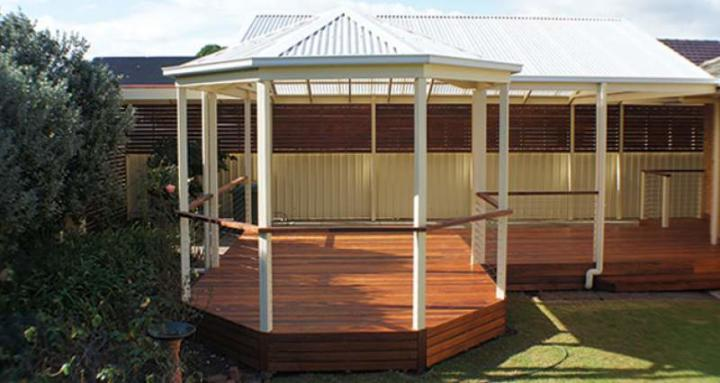 What is the difference between using timber and steel when building a pergola or verandah? FAQ by Australian Outdoor Living
