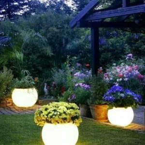 Glow in the Dark Painted Planters Solar Leuchten