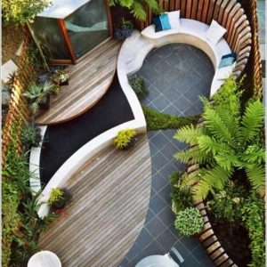 Curvy Courtyard Design