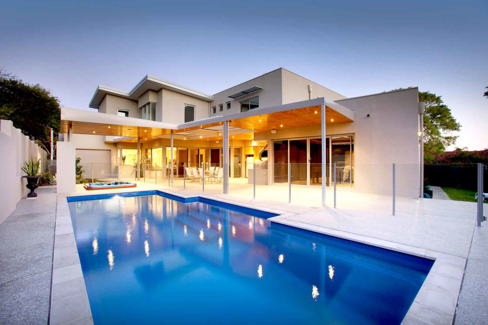 Concrete and fibreglass swimming pools: 10 things to ask your pool builder - Do you employ qualified and reliable tradespeople to build your pools, Australian Outdoor Living.