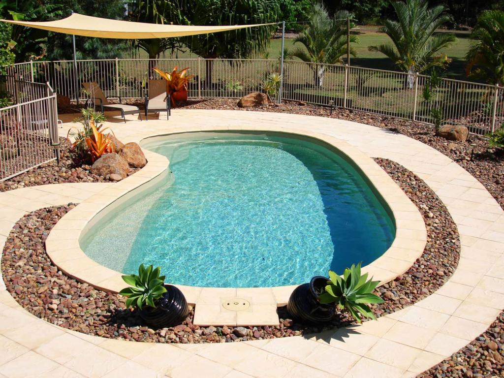 How to choose a swimming pool that's right for your backyard - Do you have a small backyard, Australian Outdoor Living.