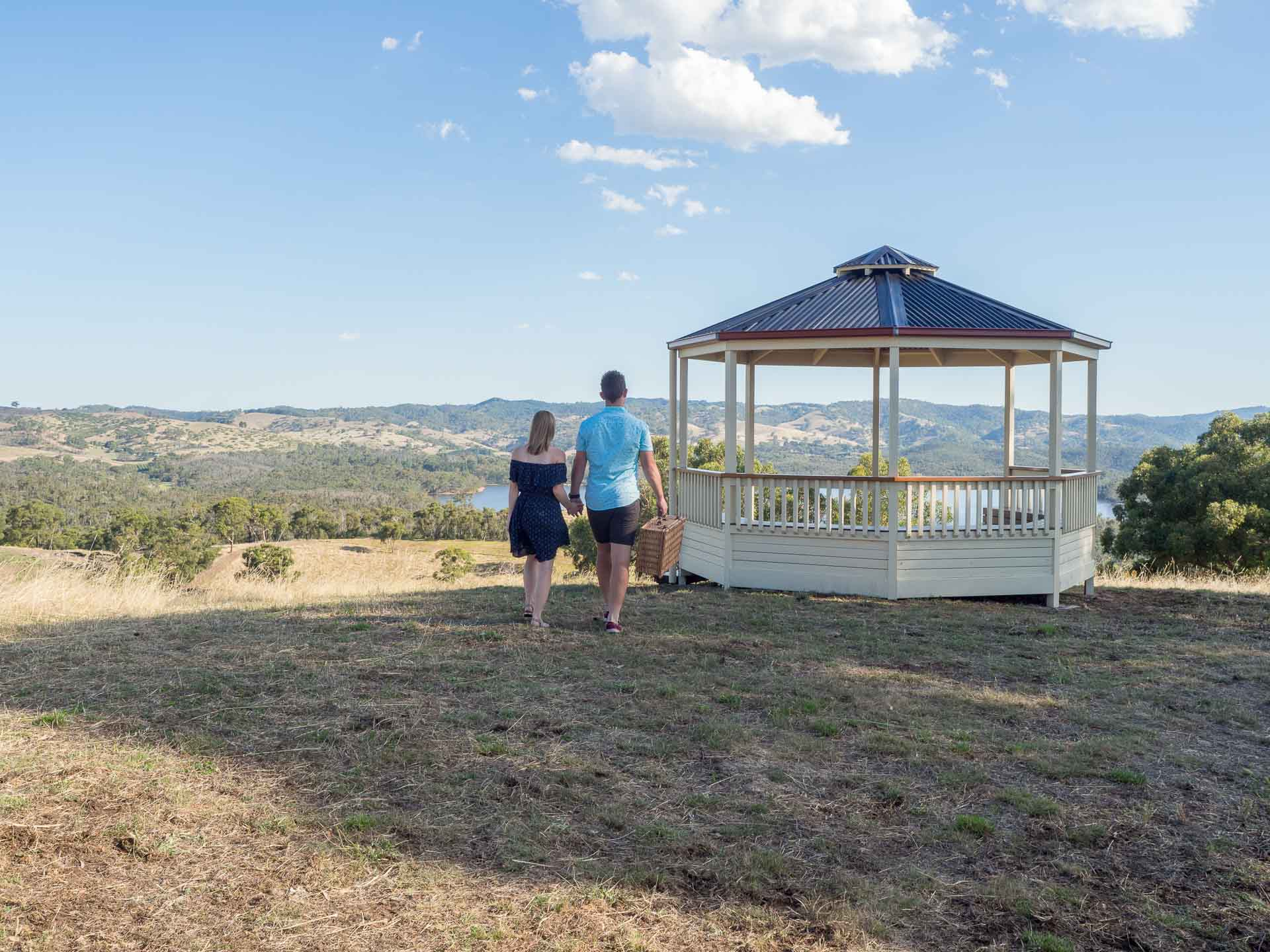 Pergola, Verandah & Patio - Looking pergola, verandah or patio installation? Get a free measure and quote.