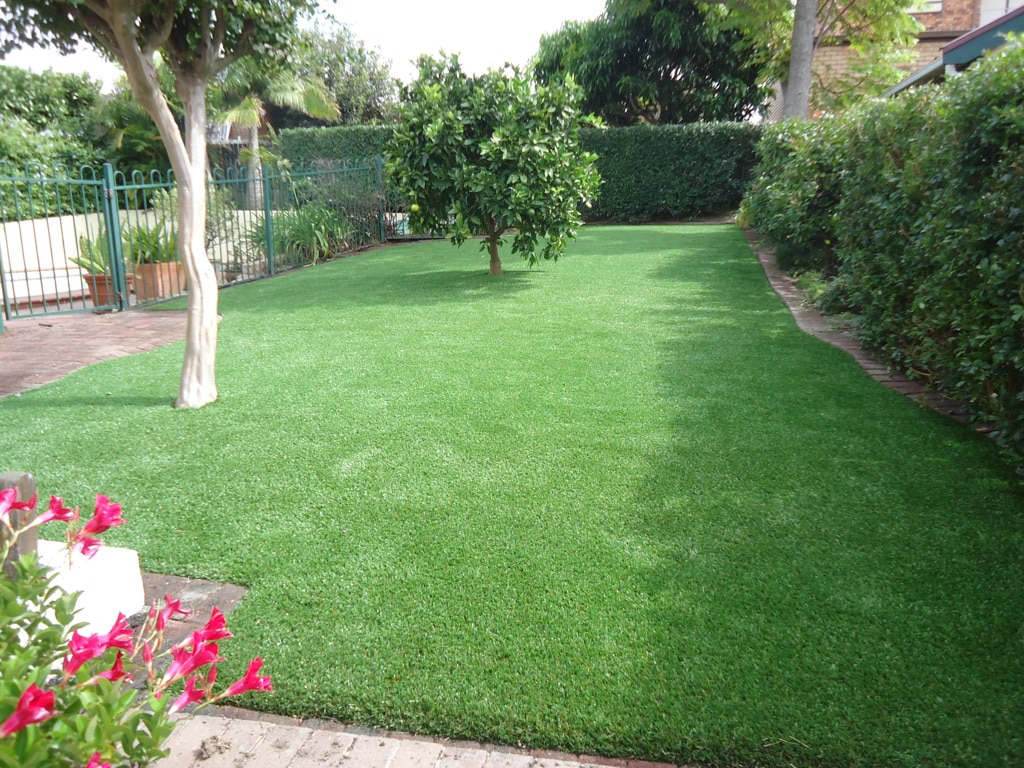 Artificial lawn: FAQs answered by the experts - Artificial lawn looks great in any sized space, Australian Outdoor Living.