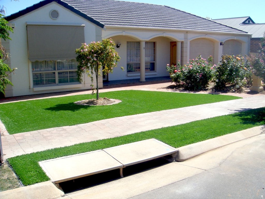 Artificial lawn: FAQs answered by the experts - Artificial lawn is stylish and practical, Australian Outdoor Living.